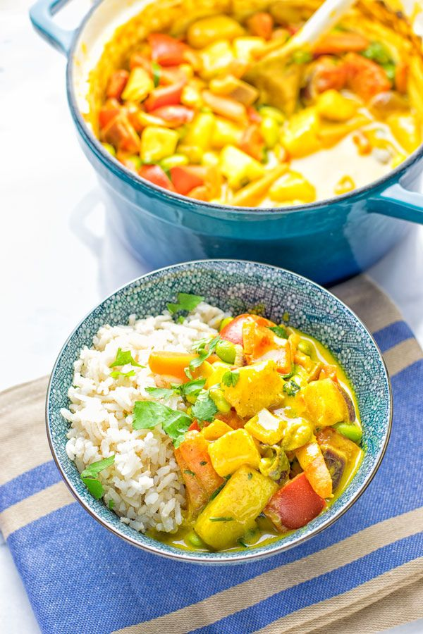 This Coconut Cream Pineapple Curry is super easy to make, versatile full of fantastic flavors and just a must make for everyone. Entirely vegan, gluten free and you can make your favorite version by adding optional extras in.