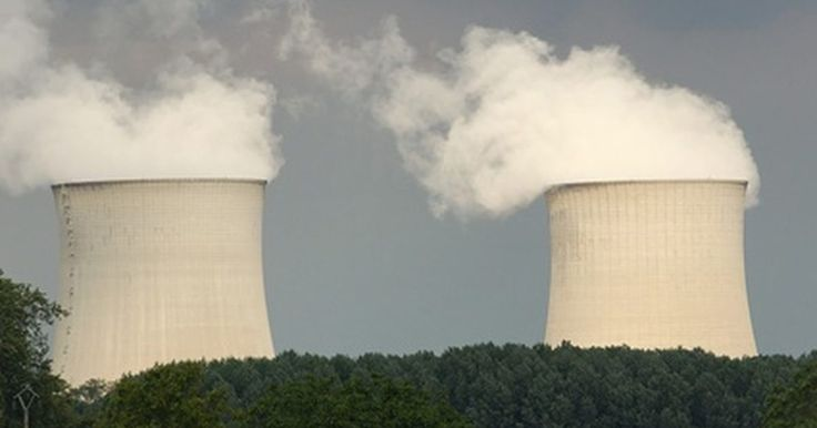 ¿Para qué se utiliza la energía nuclear?. La energía nuclear proporciona muchas cosas a los Estados Unidos y a otros países siendo la principal, la electricidad. La energía nuclear tiene ventajas y desventajas pero utilizar el uranio y convertirlo en una fuente de energía crea muchas opciones para la energía nuclear.