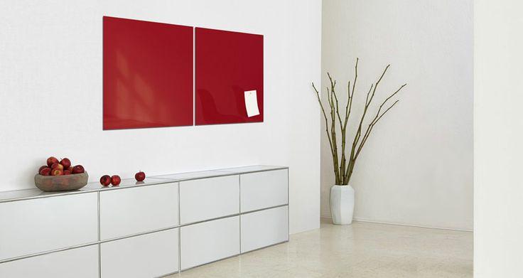 Artverum SIGEL, lavagna in vetro colorato per pareti. Si può scrivere con un marcatore oppure può essere usata per appendere foto, memorie e appunti attaverso dei semplici magneti