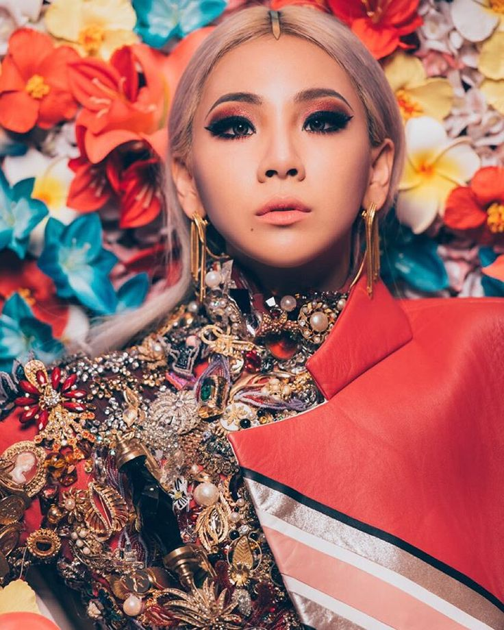 """CL: """"#HELLOBITCHES"""""""