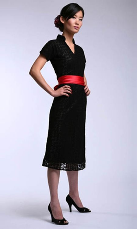 Shabby Apple- Antiquated $93Red Ribbons, Antiques Dresses, Shabby Apples, Black Sash, Black Laces, Red Sash, Little Black Dresses, Work Dresses, Lace Dresses