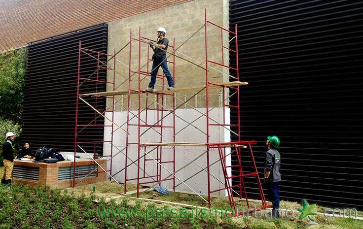 12 best jardines verticales en colombia edificio la for Jardines verticales construccion