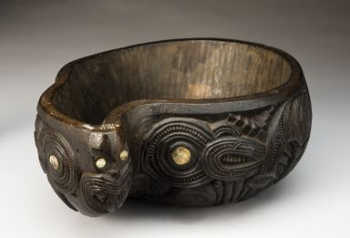 Wooden Ipu Whenua - placenta bowl, Maori, New Zealand,1890-1925 OMG I LOVE THIS SO MUCH!!!
