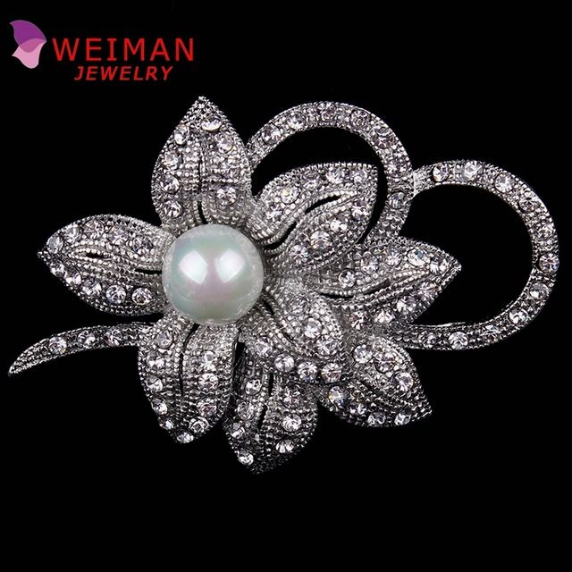 Pack of 3 Vintage Style Imitation Pearl and Crystal Diamante Flower Brooch Pins in Silver Plated