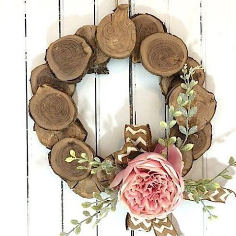 Make my wood slice wreath ready for spring!!!