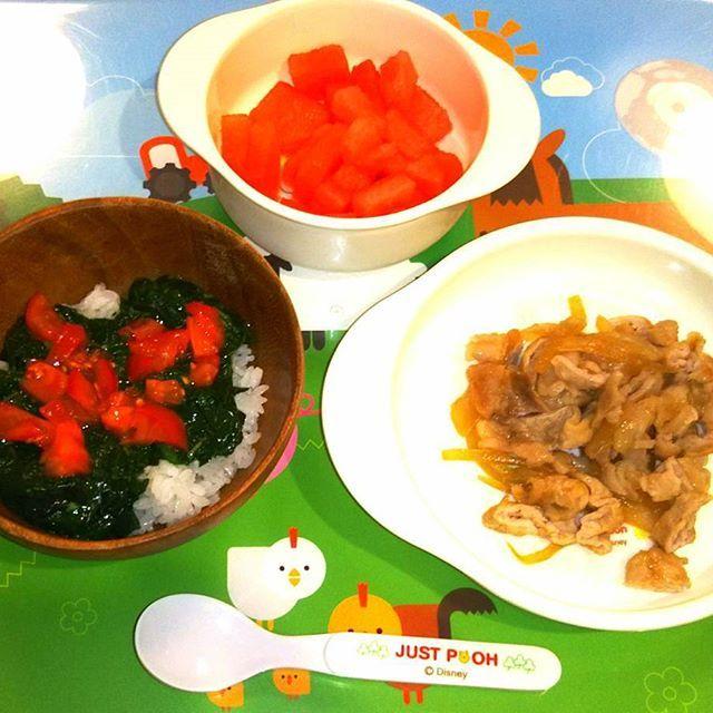 「クッキングアフロパパの簡単幼児食」 昨夜の晩ごはん編! ・ ①モロヘイヤ・トマト丼 ②豚のしょうが焼き ③スイカ ・ 暑くなって来たので夏バテ防止にモロヘイヤが美味しかったです。 ・ #ファイト中田 #料理 #家庭料理 #幼児食 #簡単 #レシピ #パパ #親バカ部 #息子 #男の子 #子供 #2歳児 #可愛い#おうちごはん #夜ごはん #夕飯 #ごはん #ご飯 #丼 #モロヘイヤ #トマト #豚肉 #肉 #スイカ #夏バテ