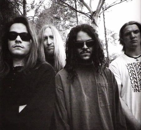 kyuss. Sound of the 90's. still makes me feel like I'm 19 years old again
