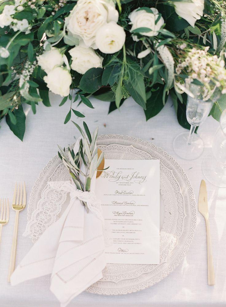 Olive branch wedding table setting: Photography: Caroline Tran - http://carolinetran.net/