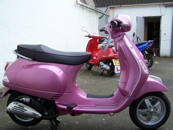 2012 Piaggio Vespa LX125 in pink