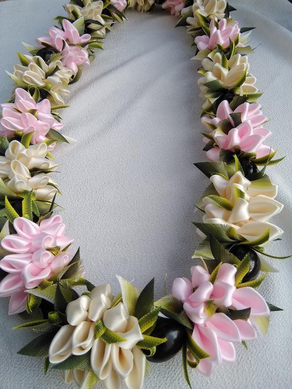 Rogue valley flower Hawaiian ribbon lei | Etsy