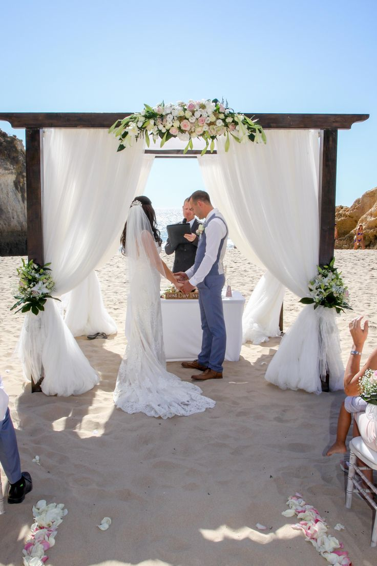 weddings by rebecca beach ceremony. Alvor beach wedding. Wedding finishing touches. Algarve wedding rental company
