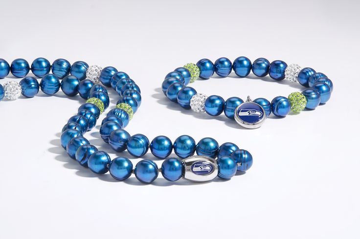 #HonoraPearls #PearlJewelry #PearlsThatGoWith #NFL #Seahawks