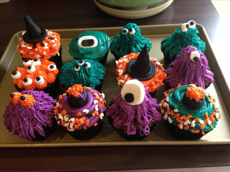 Spooky Halloween cupcakes! May have used a little too much food colouring in the buttercream. Yummy!