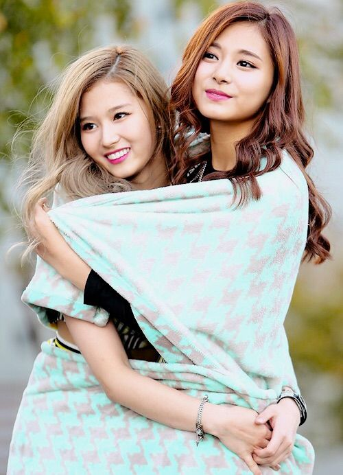 Tzuyu and Sana - Twice