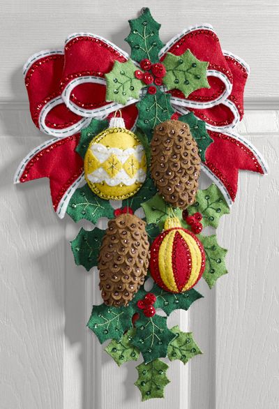Cone & Berries Bucilla Wall Hanging