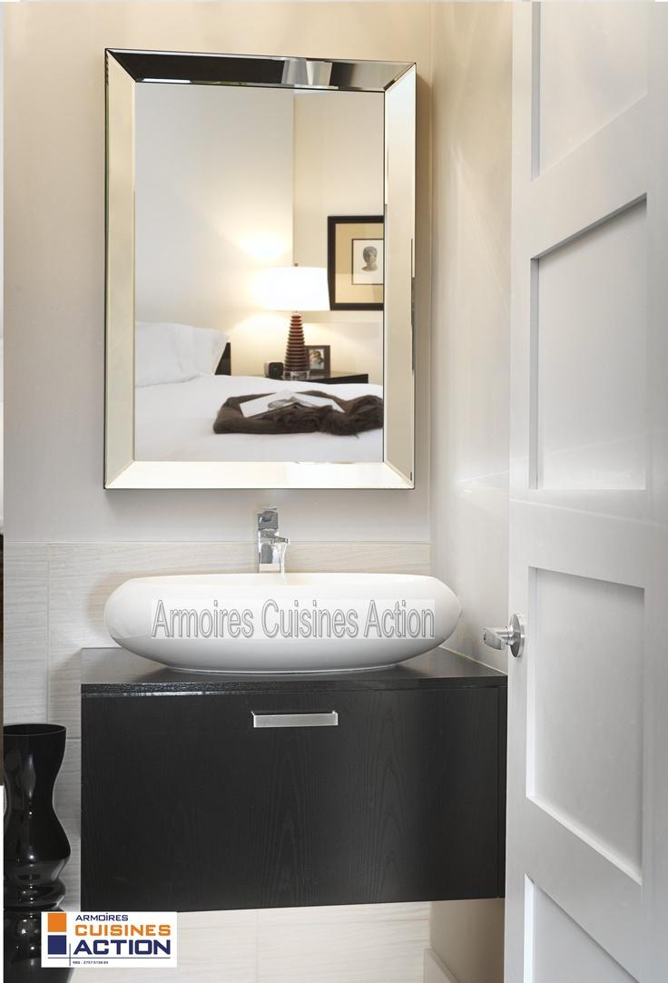 petite salle d 39 eau de par sa taille mais non par son look collection armoires cuisines action. Black Bedroom Furniture Sets. Home Design Ideas