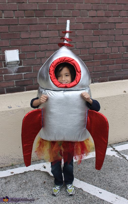 Best 25 rocket costume ideas on pinterest awesome halloween diy rocket costume solutioingenieria Image collections