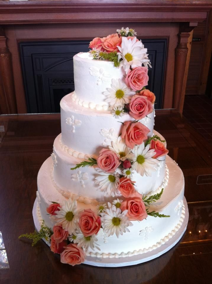 decorate a wedding cake with fresh flowers 10 images about flower fever on cakes 13374