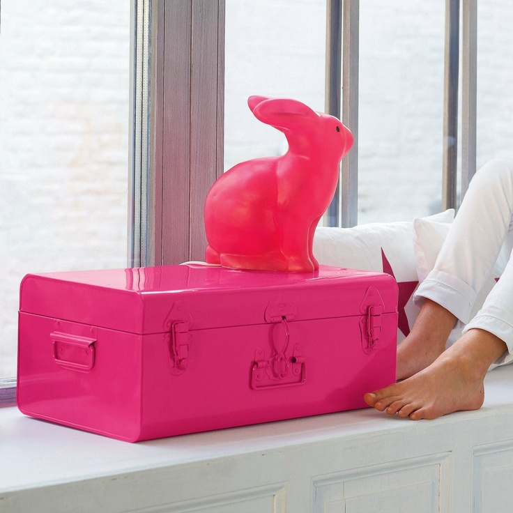 Fluo suitcase and rabbit #neon #fluor van: http://media.laredoute.fr/Product/EUHDPICTURES/8/0/0/324145800-5cc9efa9-7e85-4070-ae69-ccb1