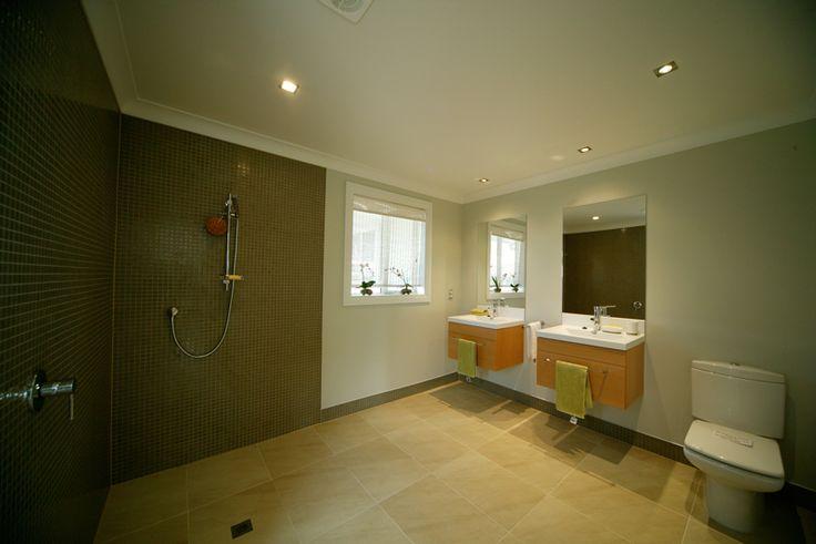 Deliciously spacious bathroom featuring James Hardie Villaboard® Lining