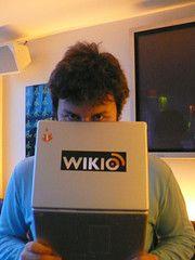 Básicamente, Wikio es un buscador de noticias cuya base de datos se crea a partir de las fuentes RSS de diversos medios periodísticos y blog...