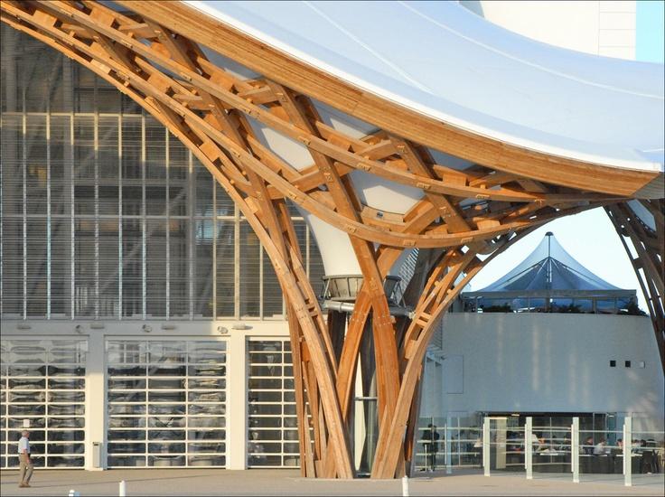 Tá bom de pilar pra você?    Shigeru Ban  Centre Pompidou  Metz - France