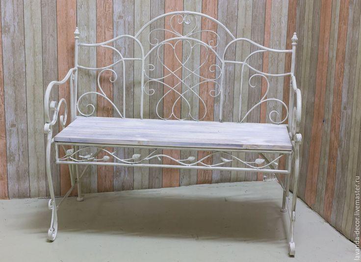 Купить Садовый кованый диван или скамейка в прихожую - бежевый, состаренный стиль, винтаж, скамейка