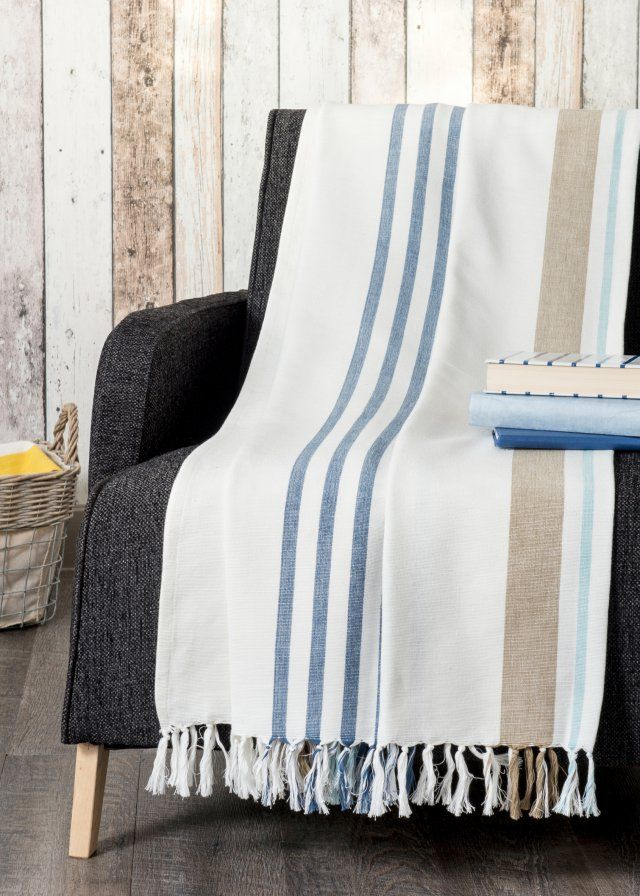 410 best coussins et plaids cushions images on pinterest cushions gray and wool. Black Bedroom Furniture Sets. Home Design Ideas