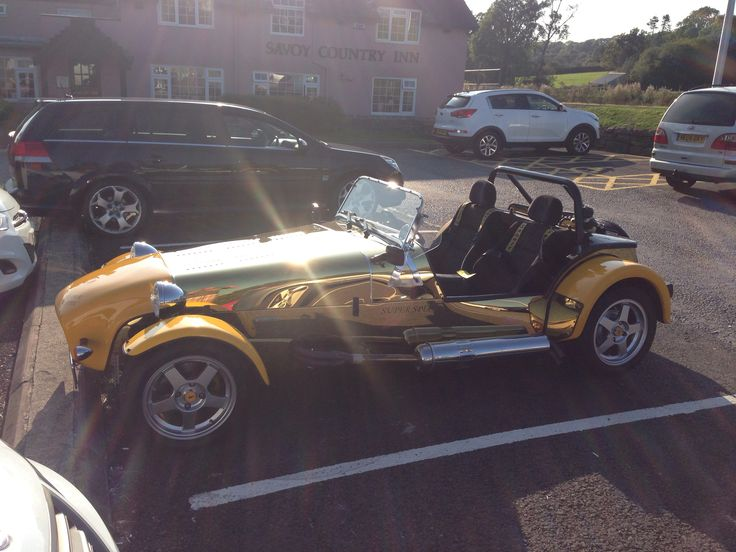 Cateram ( Lotus 7) in shiny gold!