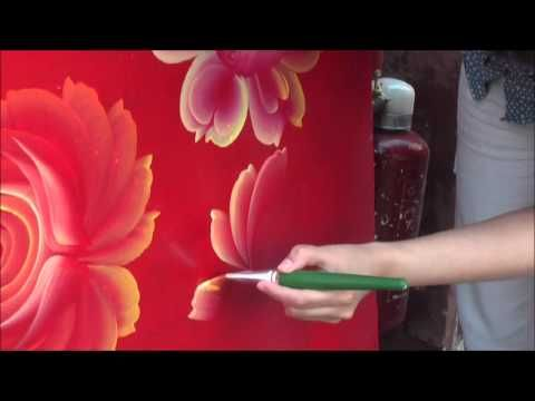 film of one stroke painting with Tatyana Kudryavtseva. Beautiful and meditative work on some kind of industrial container.