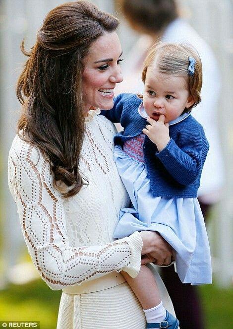 Cambridge Düşesinin adı Charlotte Elizabeth Diana oldu 60