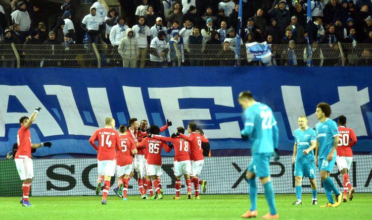 @Benfica Dois brasileiros marcaram na partida, Hulk e Talisca, mas apenas o segundo comemorou a classificação para as quartas de final da #ChampionsLeague #9ine