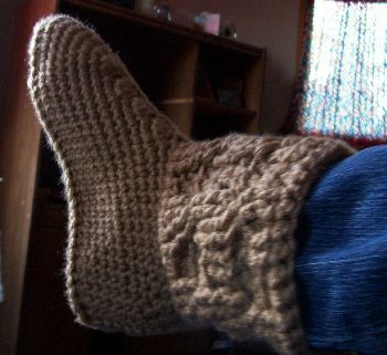 365 Crochet: Cabled Boot Slippers -free crochet pattern-