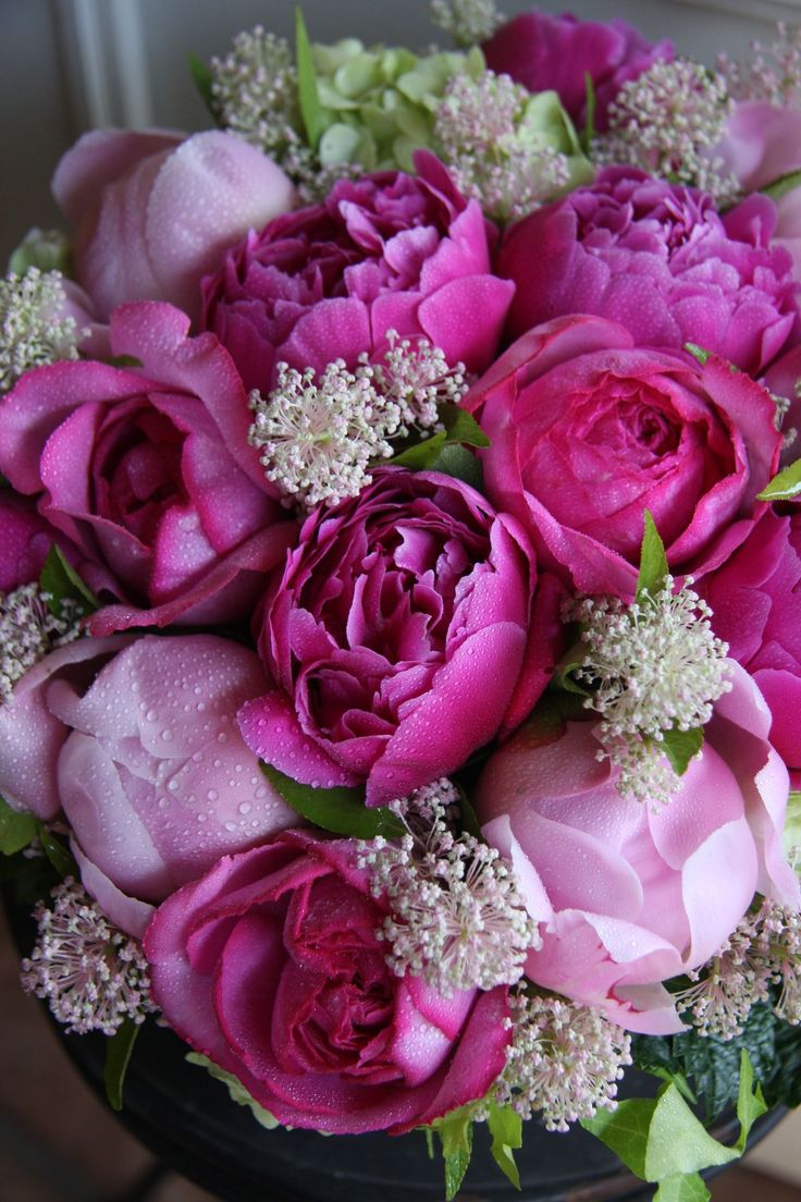 73 best images about bouquets on pinterest floral for Pink roses flower arrangements