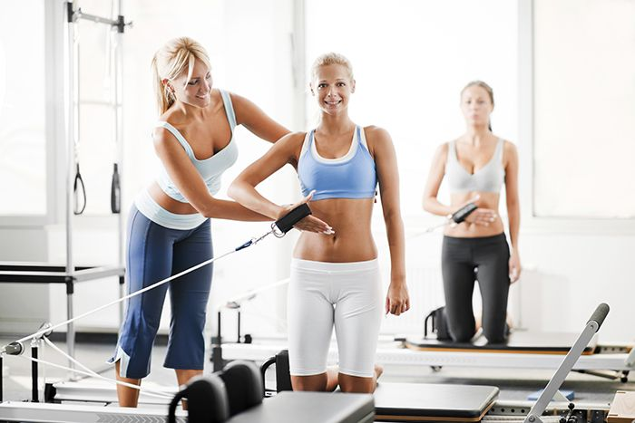 Aramızda sporla yeni tanışacak olanlar ,sporu yaşam tarzı haline getirmiş olanlar yada sporun herhangi bir branşında profesyonel olarak hayatına devam eden spora gönül vermiş bir çok dost vardır .Tüm Fitkariyer takipçilerine merhaba .Yeni ve fark yaratacak olan bu sitede fitness ,fitness üzerine beslenme ,köklü fitness antrenman programları ,yenilikçi fitness antrenman programları  ve 2015 yılının getidiği tüm yenilikleri buradan siz takipçilerimizle paylaşacağım .
