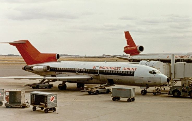 Northwest Orient Airlines (Northwest Airlines) Boeing 727-100
