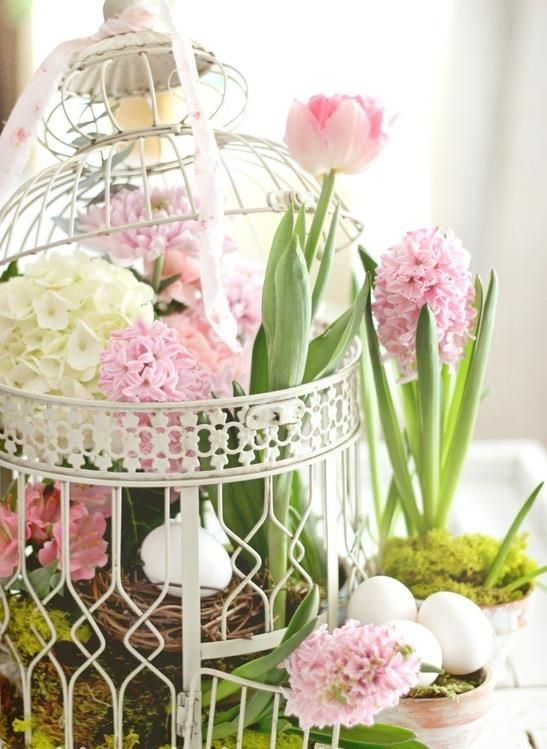 Madárkalitkás húsvéti dekoráció