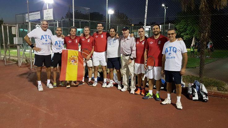 Las pistas del Club pacense de El Corzo, han acogido las finales del Campeonato de Extremadura de Veteranos por equipos, con victoria por tres encuentros a uno, del Club de Tenis Global Atalaya frente a Casino de Badajoz.