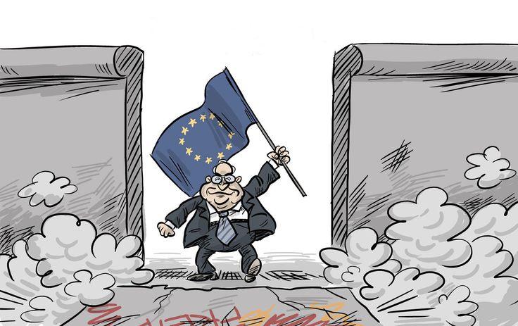 """Le Parlement de Strasbourg accueille ce 1er juillet la cérémonie d'hommage à Helmut Kohl. Décédé le 16 juin à l'âge de 87 ans, le """"chancelier de l'unité"""" a été salué comme un grand Européen. Mais l'UE d'aujourd'hui n'est pas celle qu'il a défendue, écrit la Süddeutsche Zeitung."""