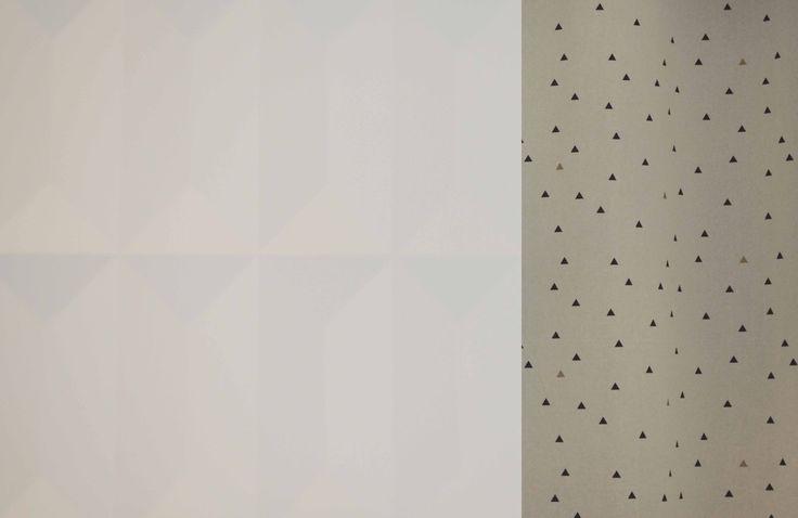 © Sandrine Carré - Décoratrice www.sandrinecarre.com  Placard de cuisine, façade, cuisine, kitchenette, rideau, triangle, black and white, blanc, geometric, géométrique, graphic, graphique, motif, noir, noir et blanc, parquet bois, scandinave, scandinavian style, relief, texturé, texture