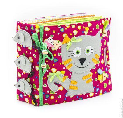 Развивающие игрушки ручной работы. Ярмарка Мастеров - ручная работа. Купить (в наличии) Развивающая книга из ткани (1-4 year). Handmade.