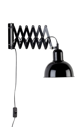 Svart Vegglampe // wall lamp