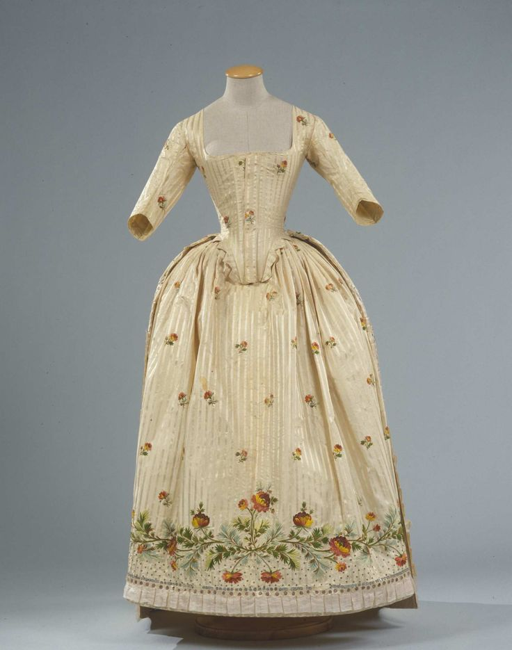 Robe à l'anglaise, Italy, ca. 1780. Ivory striped silk pékin, embroidered with floral sprays and floral branches in polychrome silk thread.