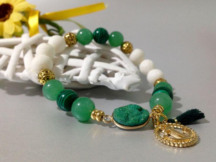 Pulsera Aventurina Verde,Malaquita,Coral Blanco y Ágata Druzy,piedras semipreciosas,pulseras de piedras.regalo para mujer,regalos.greenery de DeMaiCreaciones en Etsy
