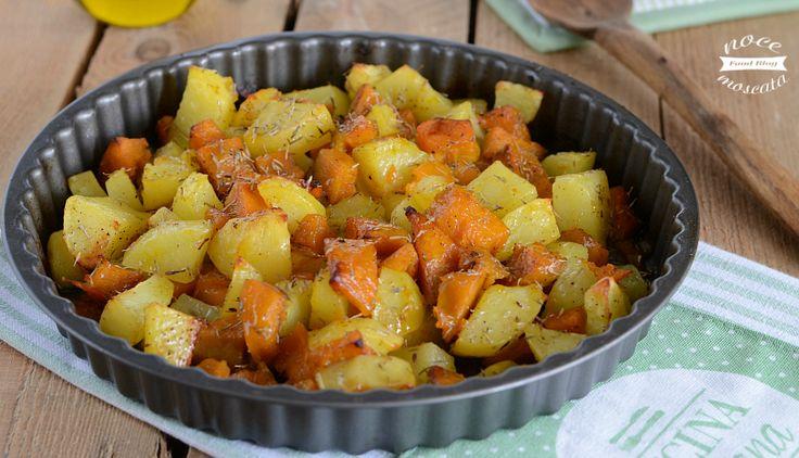 Le patate al forno con la zucca, sono un contorno veloce ed estremamente gustoso, croccanti fuori e morbide dentro, saporite e sfiziose!