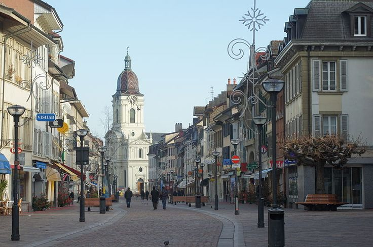 File:Morges grand-rue temple.JPG