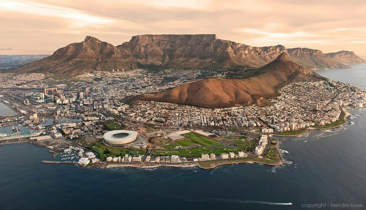 amazing shot of cape town. (copyright-Hendre Louw)Capes Town, Cape Town