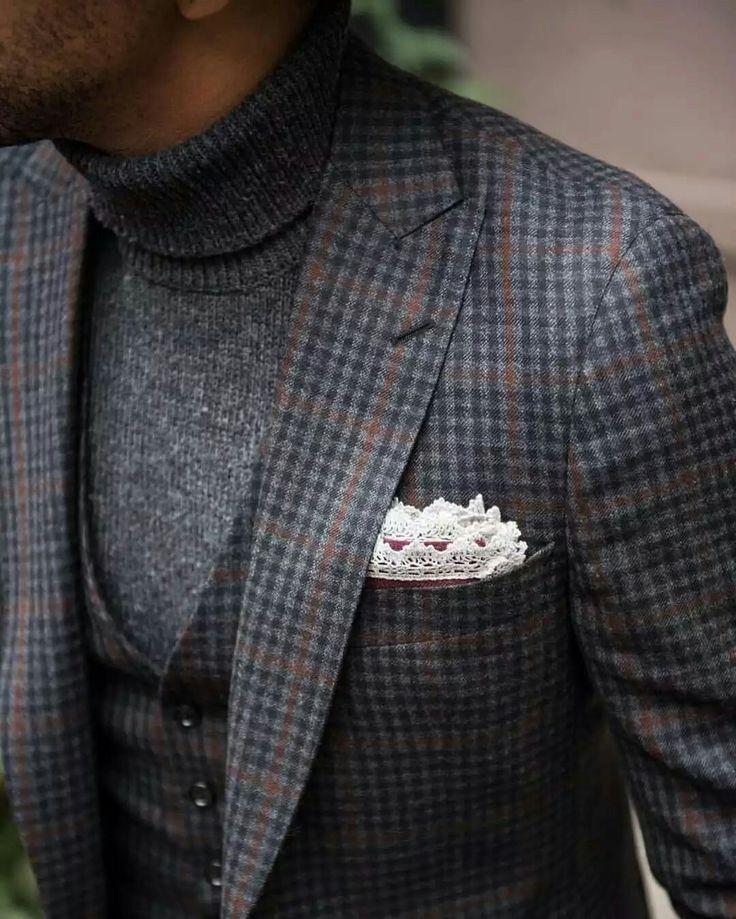 Wool Blazer + waistcoat + Turtleneck + Vintage Pocket Square. #outfit #woolblazer #turtleneck #waistcoat #vintage #pocketsquare