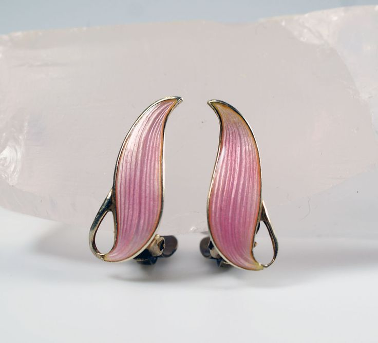 Mid Century Modern Norway Finn Jensen Silver Pink Guilloche Enamel Leaf Earrings #FinnJensen #Norway #LeafEarrings
