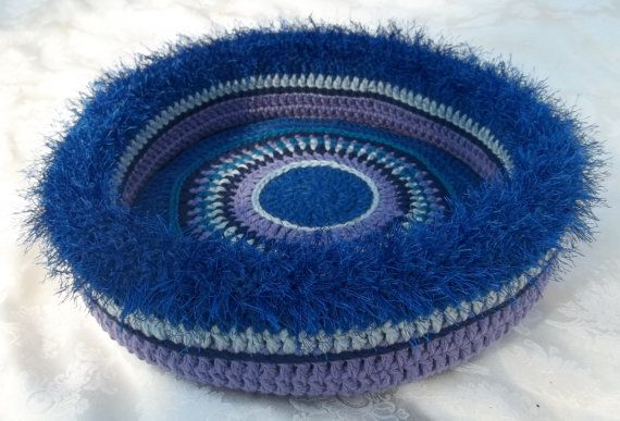 Scarlett's Hand Crocheted Cat Bed (no.1317)